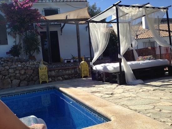 La Casa del Molinero: onze voordeur op de achtergrond.