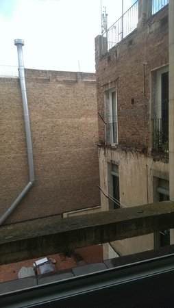Hotel Silken Ramblas Barcelona : window view