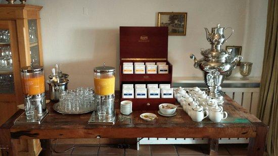 Seehotel Töpferhaus: Große Teeauswahl. Ingwerwasser unbedingt probieren.