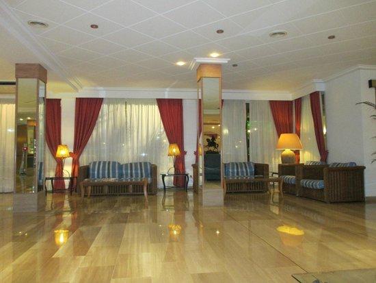 Hotel THB Gran Playa: Recepción.