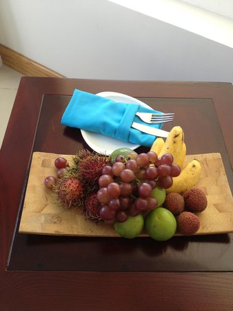 The Cliff Resort & Residences: Welcome fruit