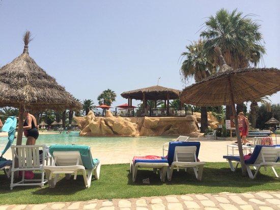 SENTIDO Phenicia: Beautiful pool side