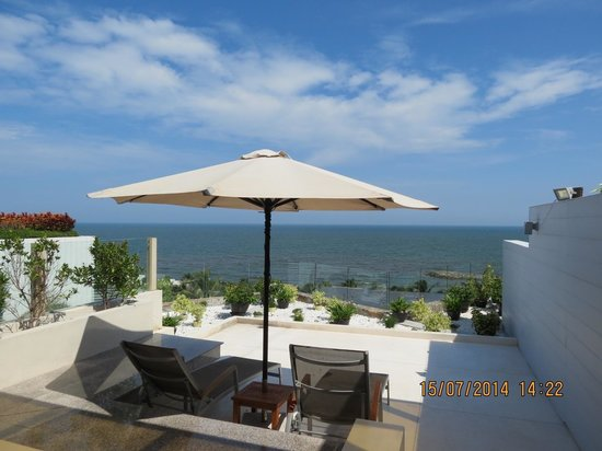 The Cliff Resort & Residences: Sea view from studio room