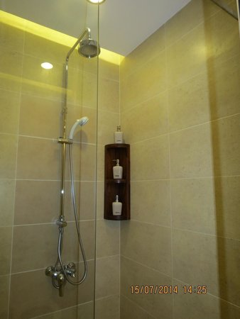 The Cliff Resort & Residences: Bath room in a studio room