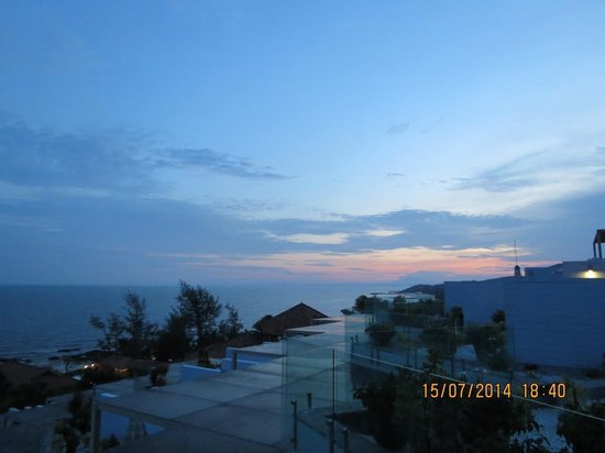 The Cliff Resort & Residences: The Sunset view from studio room 's balcony