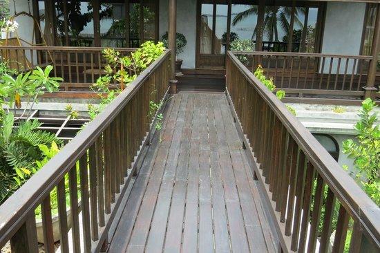 The Scent Hotel: Upstairs outdoor corridor