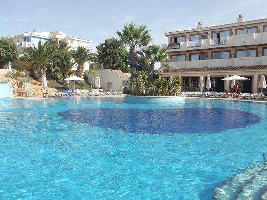 Blau Punta Reina Resort: L'une des piscines principales