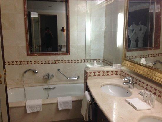 Kempinski Hotel Bahía: Baño Habitación