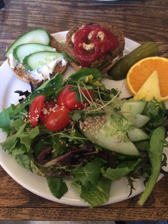 The Sprout: Delicious Salad
