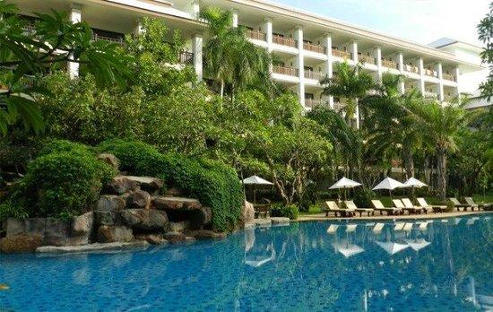 Ravindra Beach Resort & Spa: вид из окна