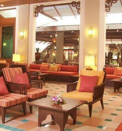 Ravindra Beach Resort & Spa: лобби