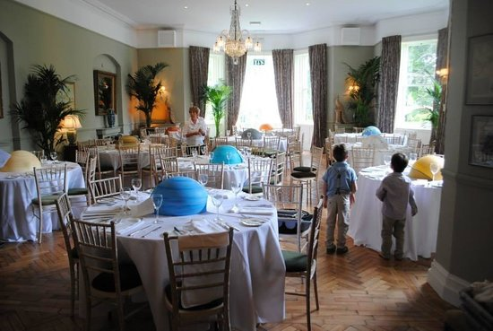 Tinakilly Country House Hotel & Restaurant: Halpin suite- planet theme