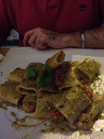 Taverne Trinacria: Paccheri pistacchi e gamberi rossi