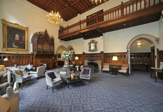Nutfield Priory Hotel & Spa: Grand Hall