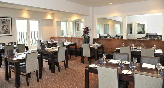 Nutfield Priory Hotel & Spa: Club Dining Room