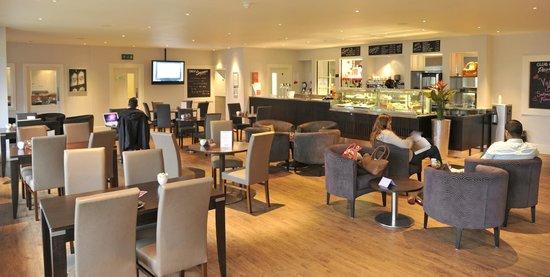 Nutfield Priory Hotel & Spa: Club Brasserie