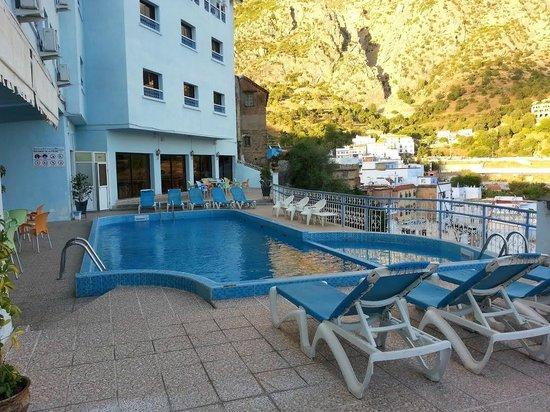 Hotel Parador: piscine adorable