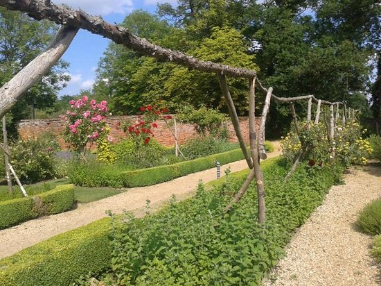 Congham Hall Hotel & Spa: Herb Garden