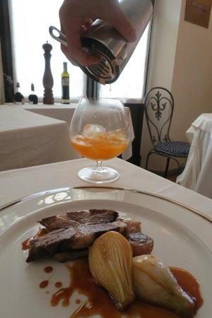 Locanda Del Feudo: Interno con piatto tipico dello chef Roberto Rossi