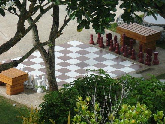 Shangri-La's Mactan Resort & Spa : giant chess board