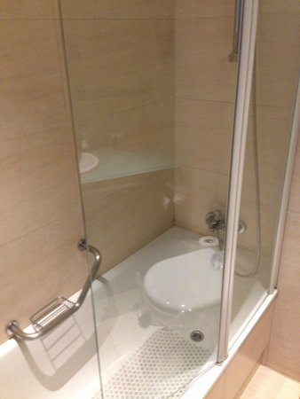 NH Brussels Stephanie : bagno
