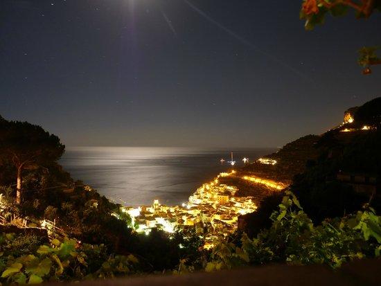 Agriturismo Villa Maria: View at night of Minori