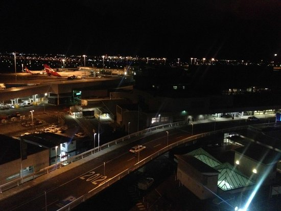 view of airport from room picture of rydges sydney. Black Bedroom Furniture Sets. Home Design Ideas