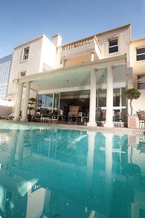 The Capital Villa: Swimming Pool