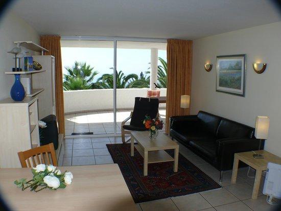 Residencial Rolando: Das Wohnzimmer unserer Balkonapartments Kat. B