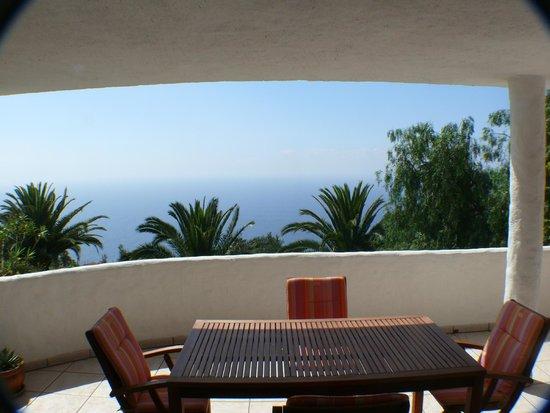 Residencial Rolando: Der große halbüberdachte Balkon (Kat. A+B)