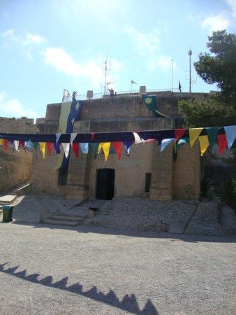 Castle of Santa Barbara: binnenplaats