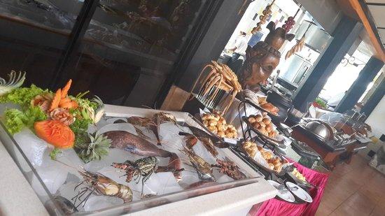 Kandyan Arts Restaurant: Buffet