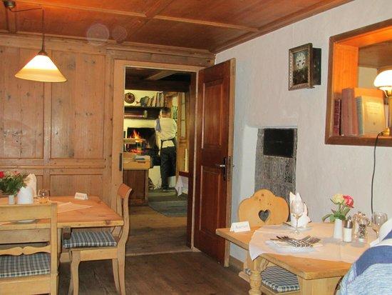 Obere Mühle: Blick durch die Stube bis in die Küche