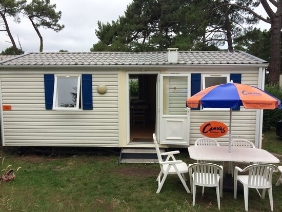 Yelloh ! Village Le Ranolien: Campus 2 bed choice cabin