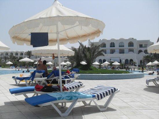 Vincci Helios Beach: la piscine
