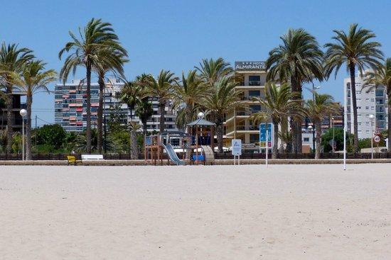 Almirante Hotel: Tæt på dejlig strand