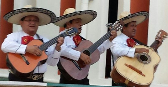 Secrets Silversands Riviera Cancun: Mexican night at the theatre and the band played on