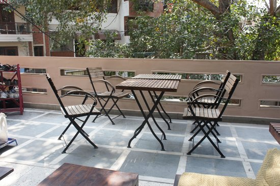 Bed and Chai Masala: Breakfast on the terrace