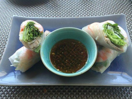 Sunrise Premium Resort Hoi An: Rice paper rolls