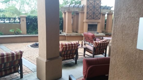 Courtyard Pensacola Downtown: unattended alcohol in pool area at 10 am
