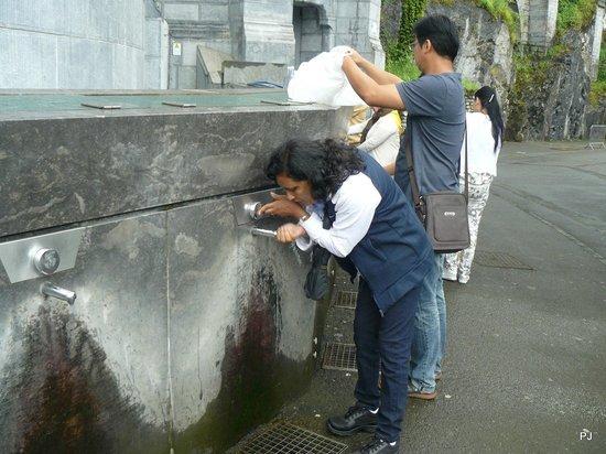 Sanctuaire Notre Dame de Lourdes : Water in taps in Lourdes