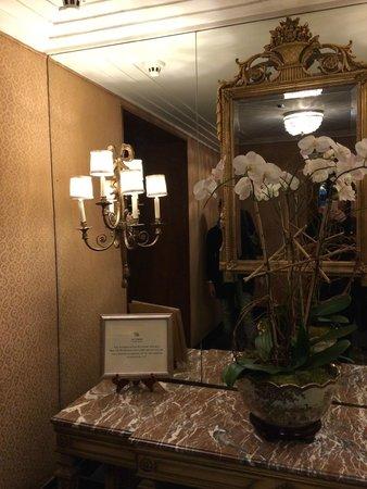The Towers of the Waldorf Astoria: ...uno dei tanti angoli