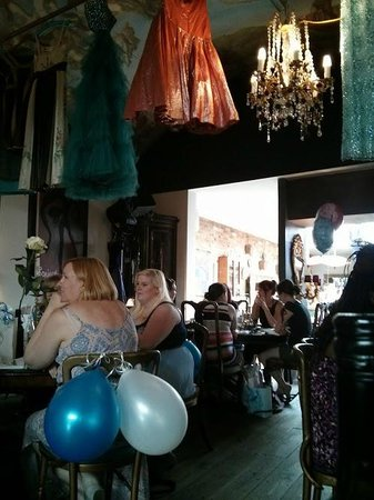 San Fairie Ann Restaurant & Bar: Hen parties, baby showers, ladies who lunch...