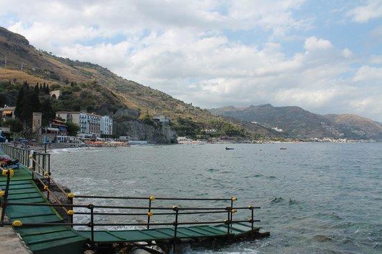 Hotel Baia delle Sirene: Het stuk strand aan het hotel