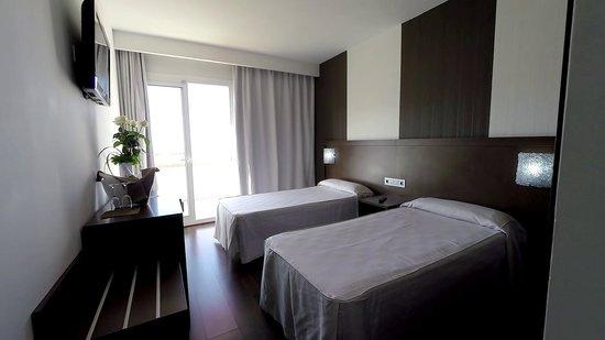 Hotel Mariner : Twin Bedroom