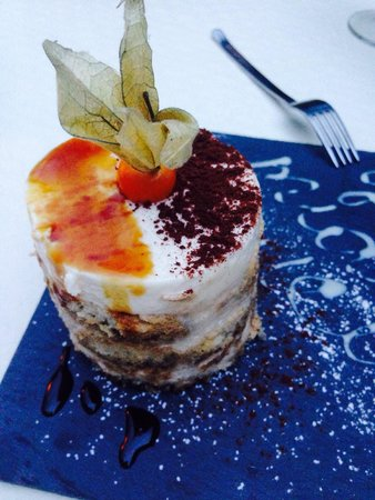 La Mia Cucina : Best authentic Italian restaurant in Brussels. What a dining experience. Must try this Tiramisu!