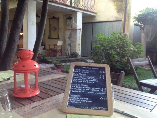 Il Geco Circolo Eno Gastronomico : Menu and garden