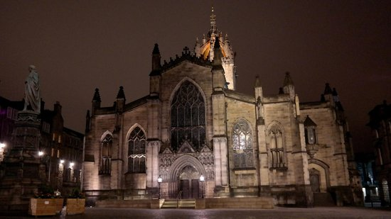 St Giles' Cathedral: St. Giles Cathedral just before Mid-Night