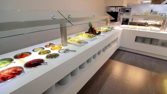 Mediterranean Sand - TEMPORARILY CLOSED : Buffet restaurant