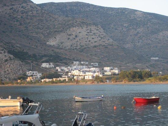 Villa Areto: Location and view
